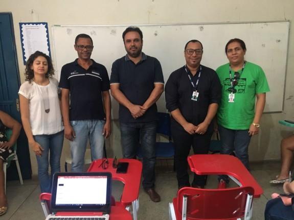 Prefeito municipal participa da formação continuada, professores