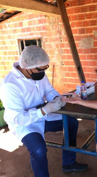Nesta manhã do dia 26 de maio o Enfermeiro Ronyerre realizou testes rápidos para COVID-19  na zona rural